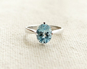 On Sale- Oval Cut aquamarine ring in solid 18k white gold