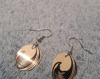 Wave earrings made from a seltzer can