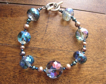 Aurore Boréale 2 - Stunning chunky bracelet in faceted beads with an aurora borealis finish