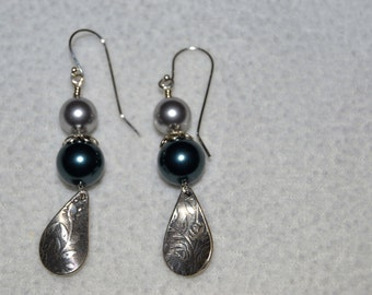Pearl and sterling silver drop earrings