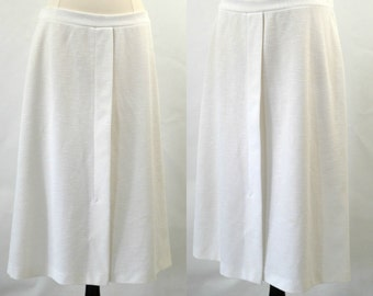 1970s White A-Line Skirt by Cape Cod Match Mates, 32 Inch Waist