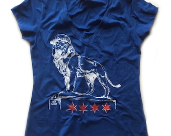 2017 Chicago Cubs Shirt - Lion Statue Women's Vneck - Art Institute of Chicago Lion Bronze - Chicago Flag Stars
