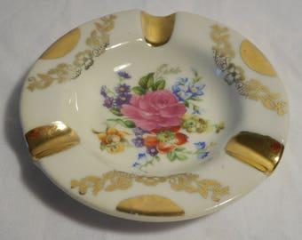 stunning vintage French Limoges porcelain round shaped table ashtray