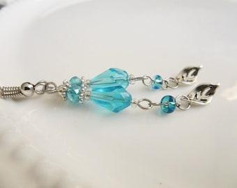 Blue Teardrop Earrings, Floral Drop Earrings, Long Blue Glass Earrings, Summer Earrings, Silver Drop Earrings, Beaded earrings