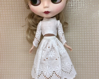 Blythe outfif skirt and top crop off white
