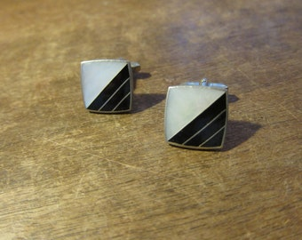 Gorgeous 1930s Mother of Pearl and Gold Cuff Links