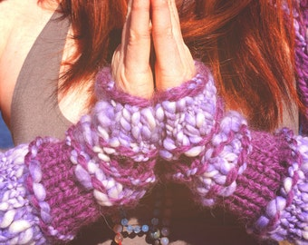 READY TO SHIP Purple Arm warmers, Fingerless Gloves, Knit Arm Warmers, Purple Gloves, Boho gloves, Hand warmers, Chunky Knit gloves, Cosplay