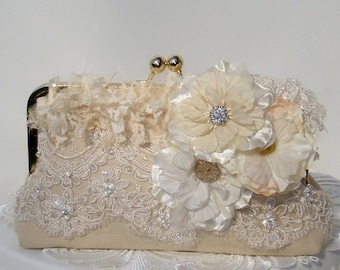 Ivory Bridal Clutch  / Lace Bridal Clutch / Bridal Handbag / Wedding Clutch