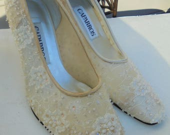 Beaded bridal shoes vintage Caparros cream ivory wedding bride 6 from vintage opulence on Etsy