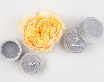 Velvet ring box - Round ring box - Wedding gift - Grey