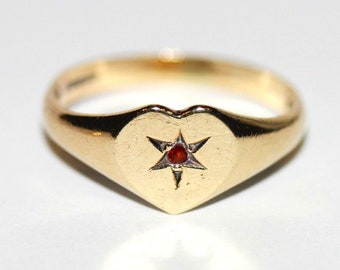 Vintage Yellow Gold 9ct HEART SIGNET RING Red Ruby Garnet Star Sheffield 1979