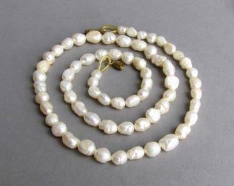 White beaded choker Dainty pearl choker necklace Pearl choker for wedding Delicate pearl choker Pearl choker for women Dainty white choker