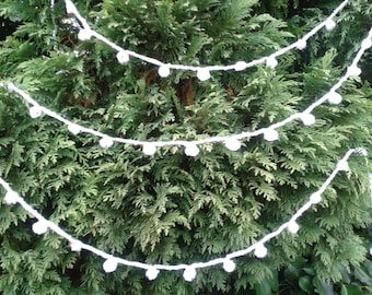 Crocheted Christmas Bobble Bunting Garland Tinsel Decoration