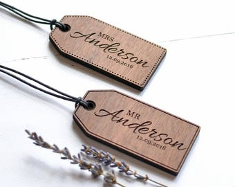 Pair of Wooden Luggage Tags - Honeymoon Luggage Tags - Custom Mr & Mrs Tags Wedding Gifts - 5th Anniversary Gift - Personalised Luggage Tag