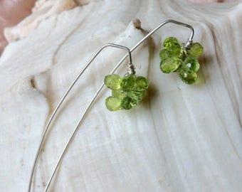 August Birthstone Earrings, Peridot Earings, Sterling Silver, Silver Earrings, Minimist Earrings, Genuine peridot, Gift for daughter
