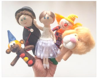 """Finger puppets """"Circus"""" - 5 beautiful puppets and puppet pouppes in knit and felted wool fabric; Wool finger puppets"""