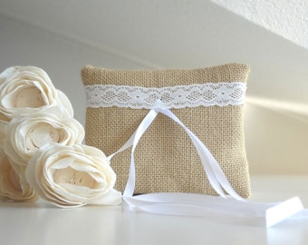 Wedding pillow, Ring cushion, Natural burlap ring pillow with lace decoration country wedding