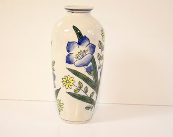 Vintage Floral Vase - blue and yellow flowers