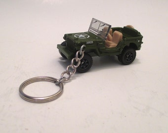 Jeep Willys keychain, WWII Jeep, 1943 Army Jeep 汽車, Grandfathers gift, Soldiers keychain, Mens or Womens keychain, Mens or Womens gift