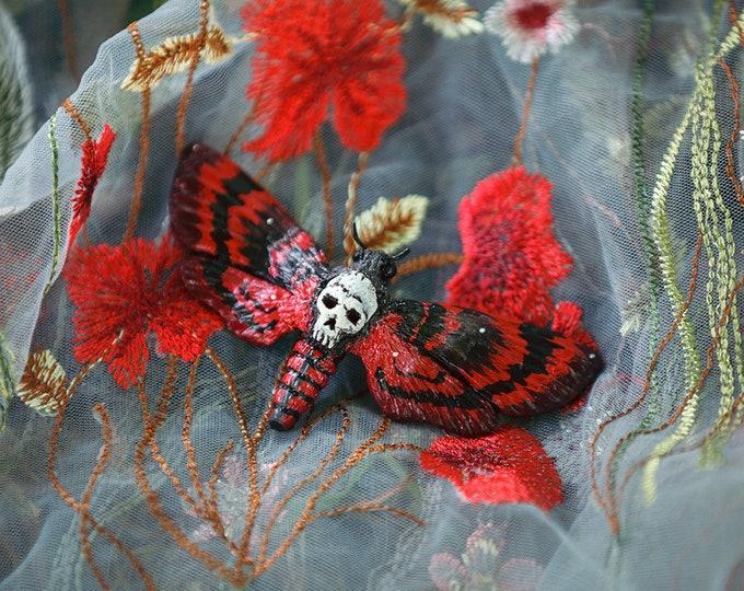 Skull Owl Brooch-red
