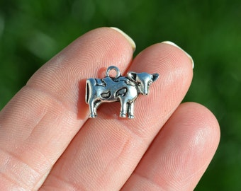 5 Silver  Cow Charms SC2469