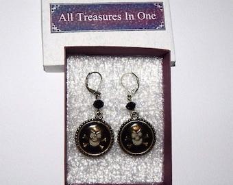 Skull Glowing earrings, pirate earrings, Glow in the dark, Gothic Skull and Crossbones, earrings, Resin, bronze tone earrings # et 670