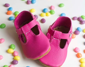 SPRING T-strap Leather Baby Moccasins, tstrap, Soft Soles, Crib Shoes, leather mary janes, baby moccs, toddler moccasins
