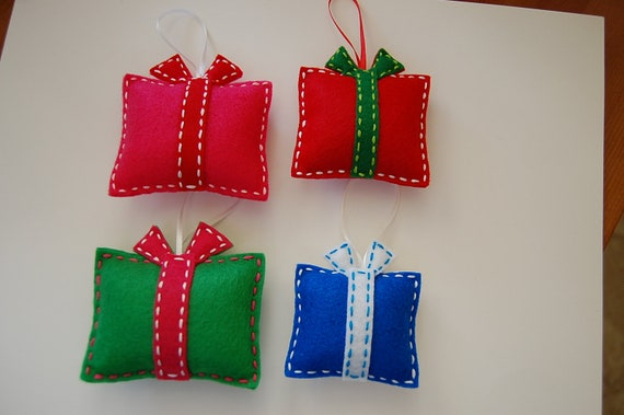 Items similar to Felt Christmas ornaments. Gift box ...