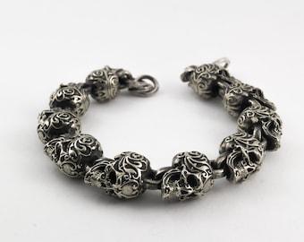 Silver bracelet with big skull