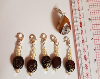 6 brown and gold crochet/ knitting stitch markers, charms