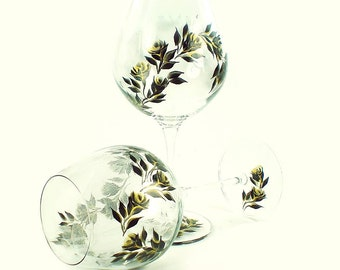 2 Hand-Painted CRYSTAL Stemware - Elegant Gold and Black Roses, Personalized 50th Anniversary Glasses Wedding Anniversary Gifts Idea