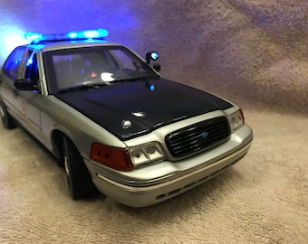 1/18 scale Alabama  State Police Dept  die cast model Police Car replica with working lights and 4 tone siren