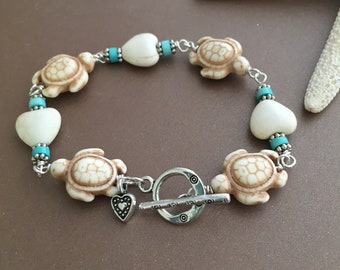 Sea Turtle Bracelet, Sea Turtles Hearts Turquoise Silver Wire Bracelet, White Turquoise Turtle Bracelet, Beach Jewelry, Summer Ocean Wear