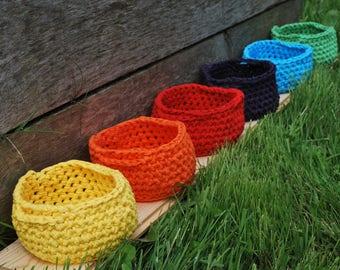 petit panier crochetés en Hoooked Ribbon XL, diamètre 12 cm pour vide poches