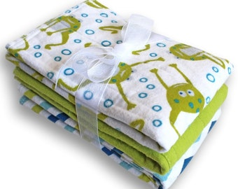 Cloth Baby Diapers. Medium Prefold Baby Nappies. Burp Cloths. Changing Pads. Trifold Soaker Insert. Prefold Booster. Frogs and Chevrons