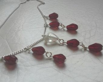 Vampire necklace // Gothic necklace // gothic jewelry // vampire jewelry