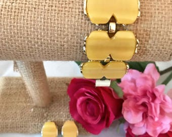 Vintage Yellow Thermoset Bracelet and Earrings.  Pretty Moonglow with nice sheen and a wavy surface. 1950's or 1960's  Nice Vintage Cond