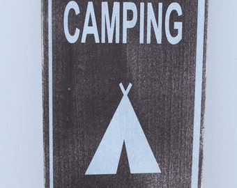 """Decorative """"CAMPING"""" Wooden Sign"""