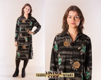 Black Floral Mid Length Long sleeve dress /  1970s vintage  casual mid length day dress Shirt dress /  Medium to Large