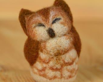 Pocket red owl