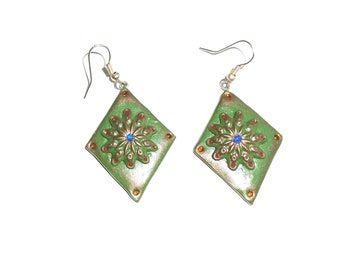 Green earrings ,Beaded earrings, Rhombus earrings, Square earrings