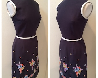 """Sleeveless Dark Gray with Embroidered Flowers Jackie """"O"""" Dress by Bleeker Street Size 10"""