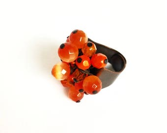 Wire ring, adjustable ring, bronze ring, maxi ring, bead cluster ring, orange ring, ethnic ring, etnic jewels, boho chic ring, wire jewels