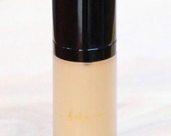 Organic liquid foundation - organic makeup - cruelty free - hypo allergenic - Ho Definition n* C35