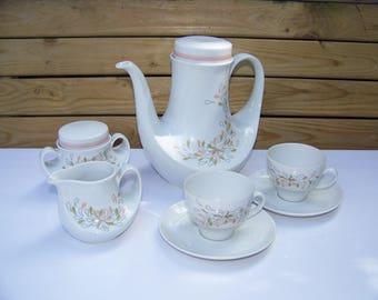 "Service 27 pieces in porcelain from Bavaria Seltmann Weiden tea style ""Marina"" 1970's"