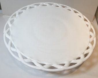 Latice edge cake stand