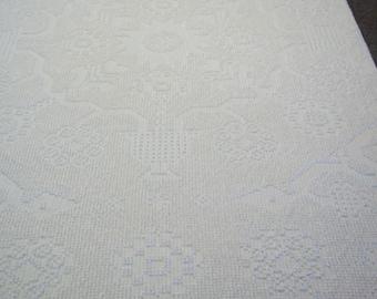 "Vintage Chenille Bedspread 104""X88"" Bates Double/Queen Off White Cotton #1905"