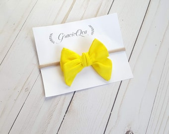 yellow pinwheel bow, cotton bow, hand-tied, handmade bow, baby bow, baby headband, toddler bow, baby style