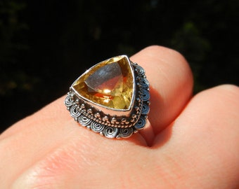 Citrine ring yellow gold, Sterling Silver 925, brightness and warmth of the Sun, one size Adjustable ring