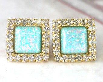 Opal Earrings,Opal stud earrings, Swarovski Crystal Studs,Mint Opal Swarovski earrings, Bridesmaids earrings, Gift for woman,Mint Earrings